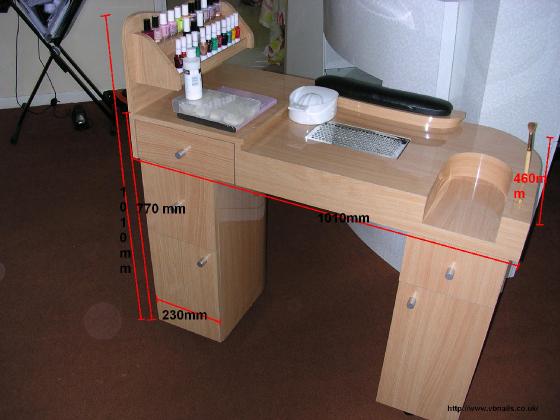 la table manucure de mes r ves forum manucure. Black Bedroom Furniture Sets. Home Design Ideas