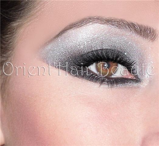 Maquillage yeux noir et gris - Yeux gris bleu ...