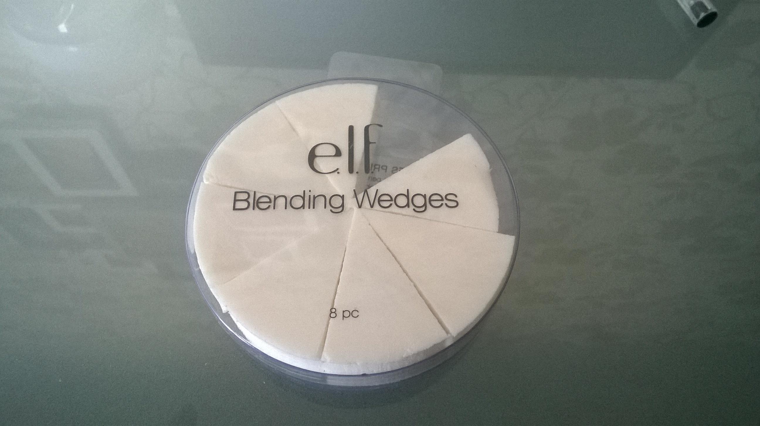 Éponges prédécoupées de e.l.f. eyes lips face